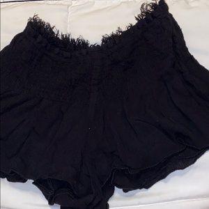 Super cute fringe flowy shorts